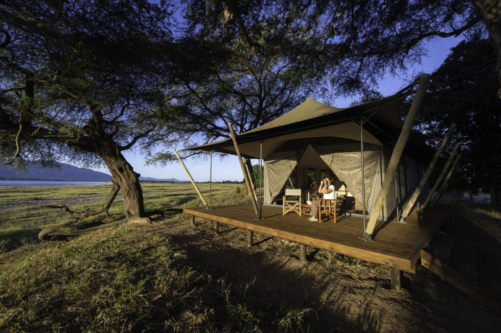 Romance-honeymoon-safari