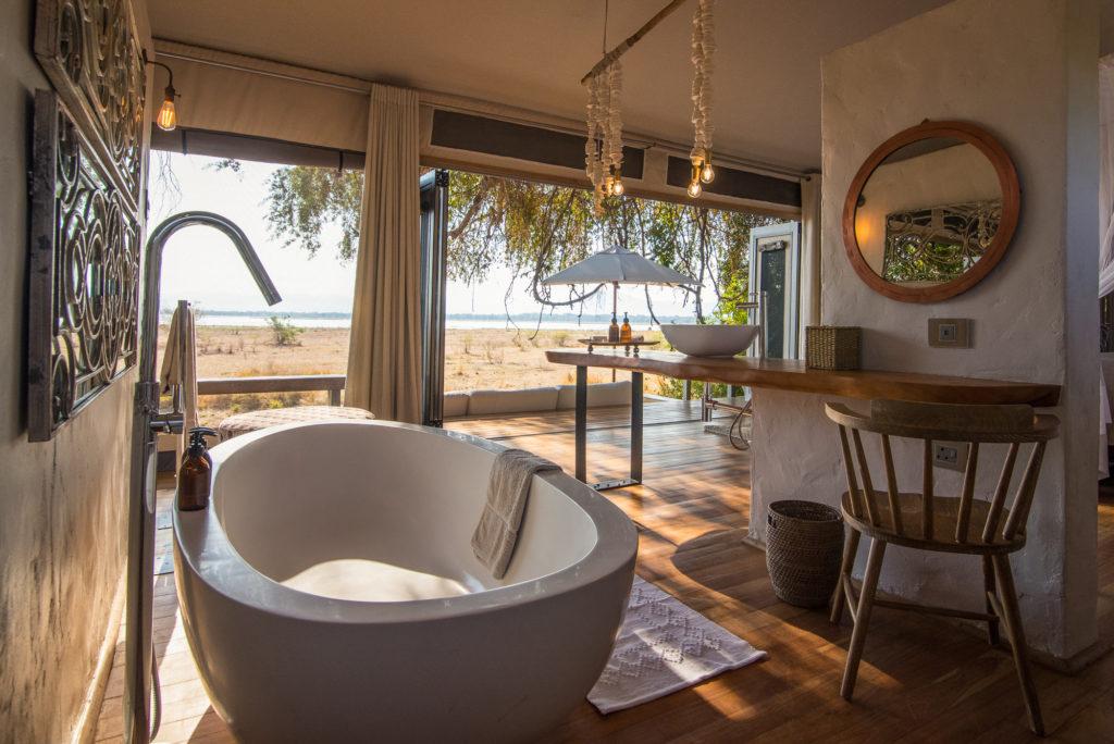Chikwenya-Camp-Bathroom