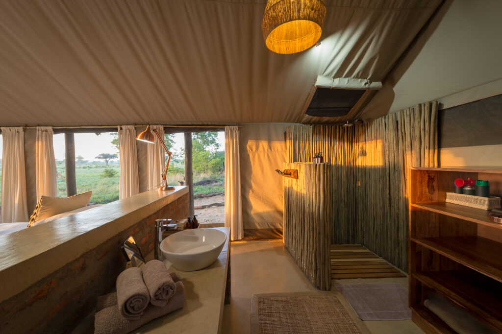 Davisons-Camp-Bathroom