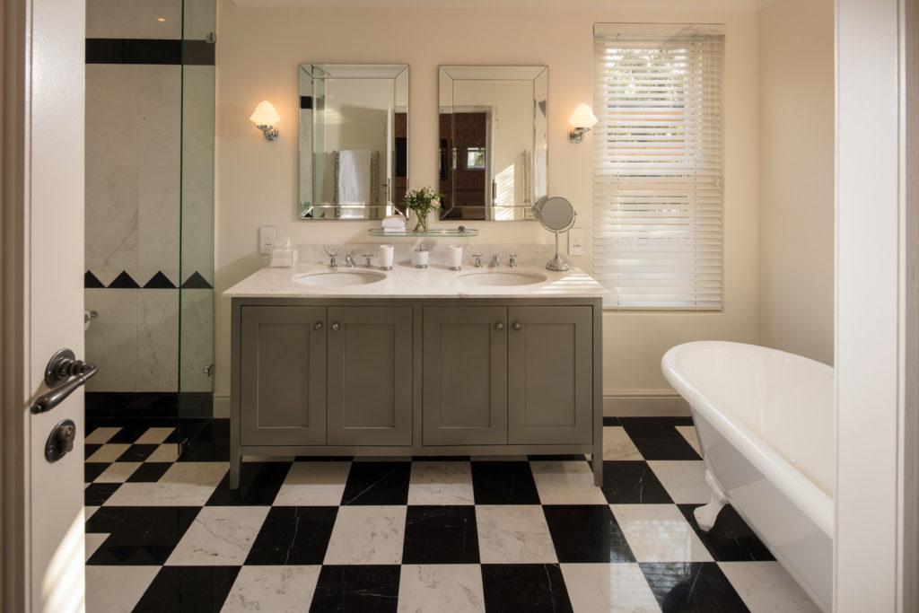 Le-Quartier-Francais-Suite-Bathroom