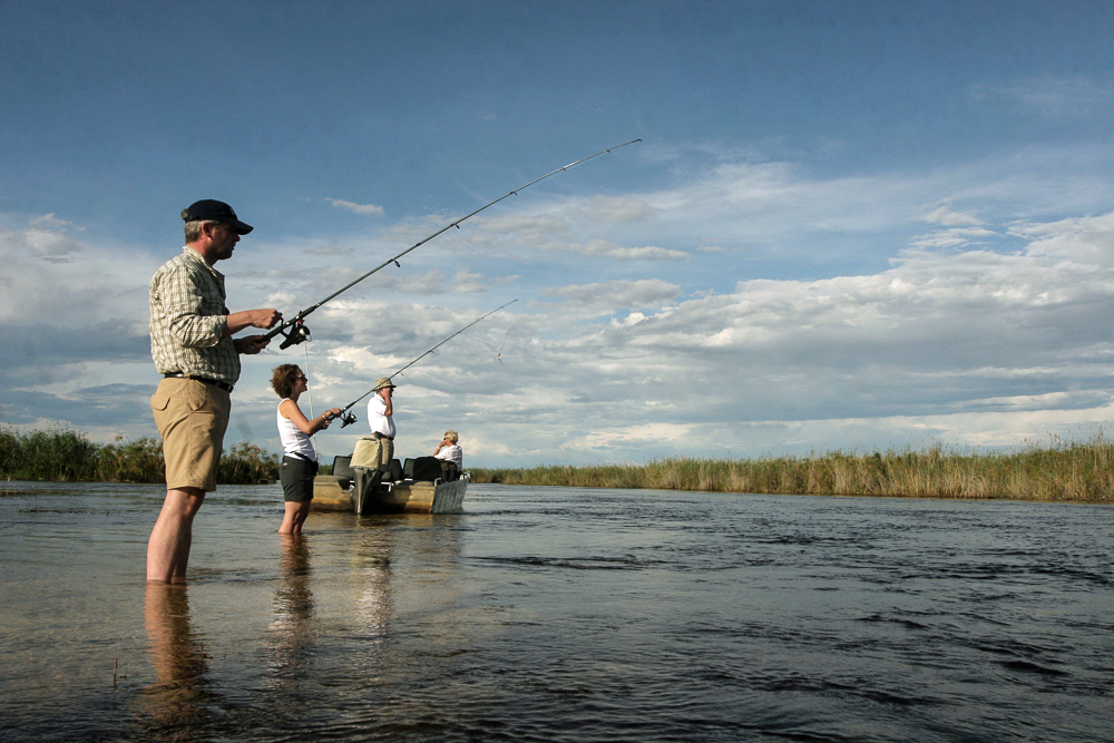 little-vumbura-fishing-activity