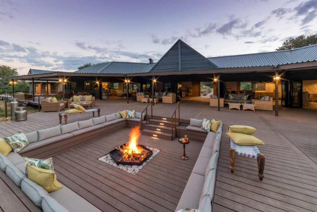 Old-Drift-Lodge-Outdoor-Area