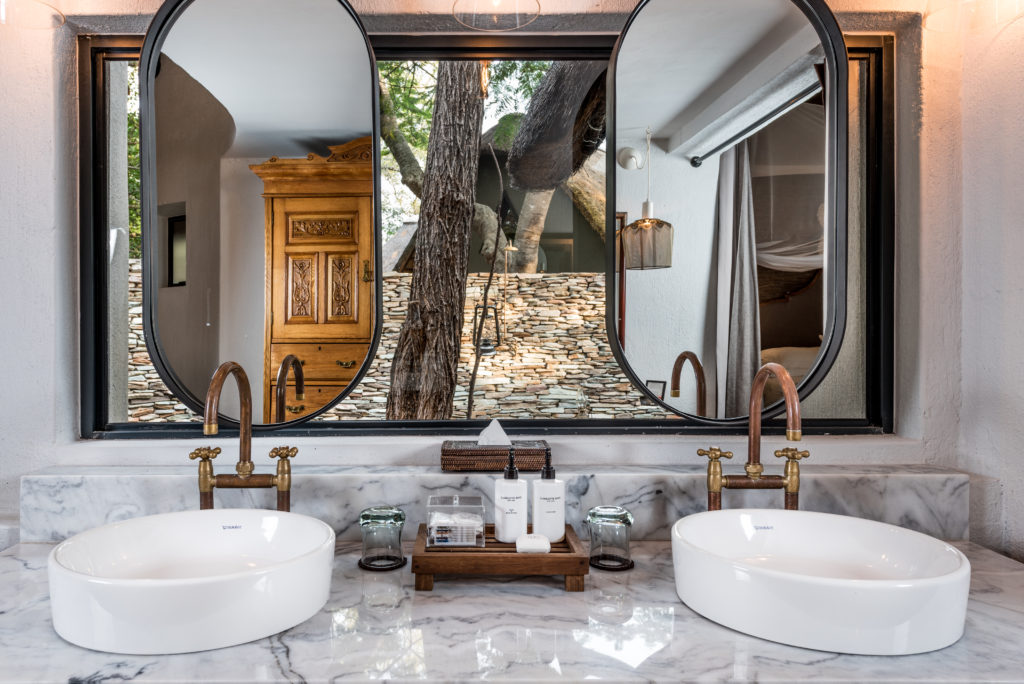 Sabi-Sabi-Selati-Camp-Bathroom