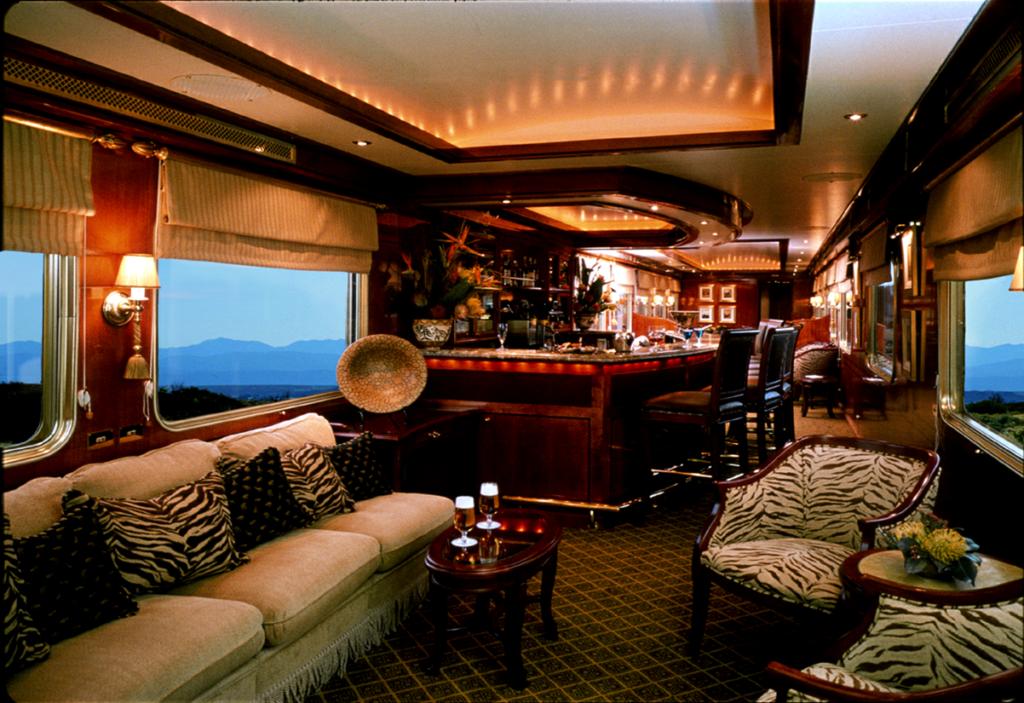 The-Blue-Train-Lounge-Car