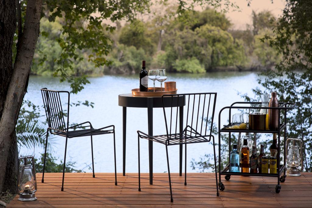 Thorntree-River-Lodge-Setting