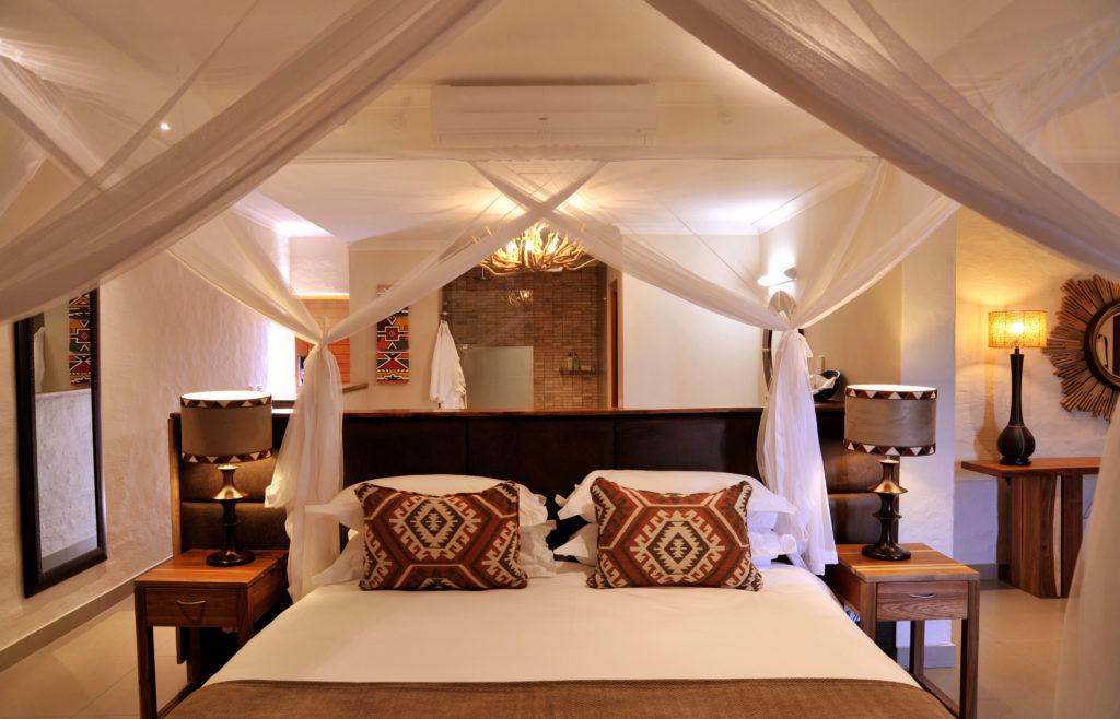 Victoria-Falls-Safari-Club-Room