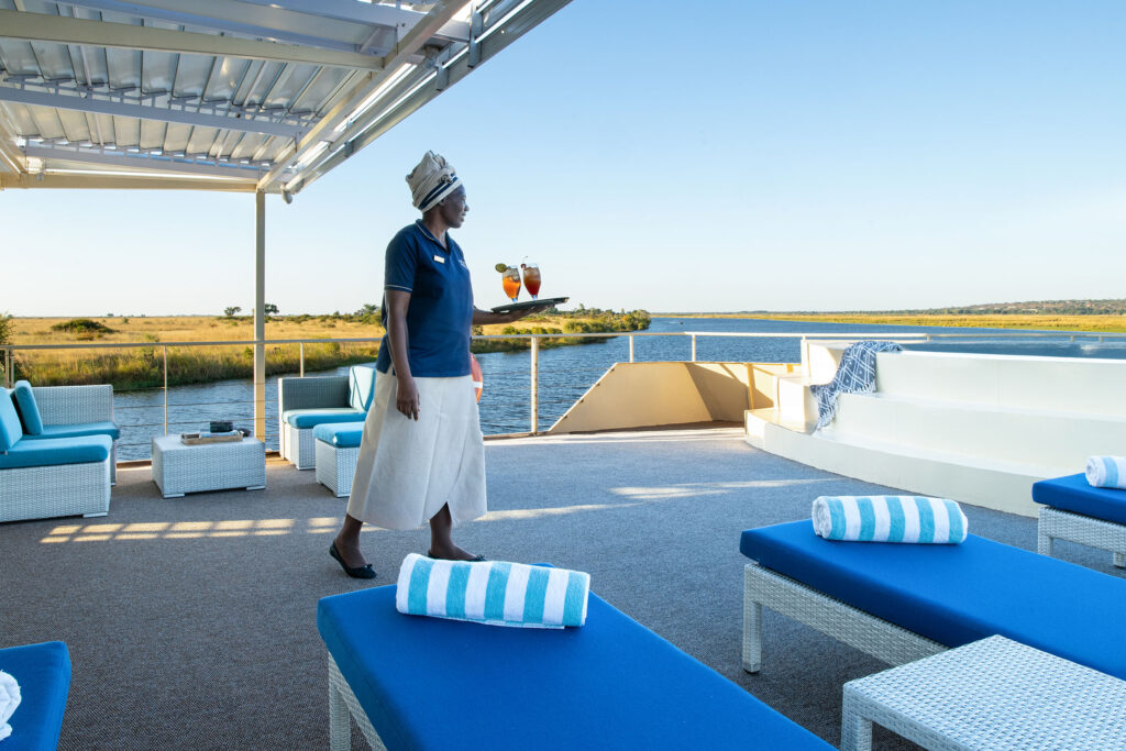 Zambezi-Queen-front-deck-with-plunge-pool