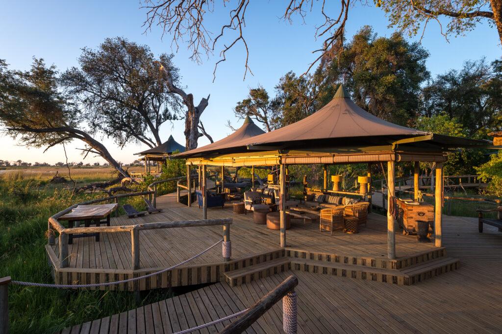 little-vumbura-outdoor-lounge