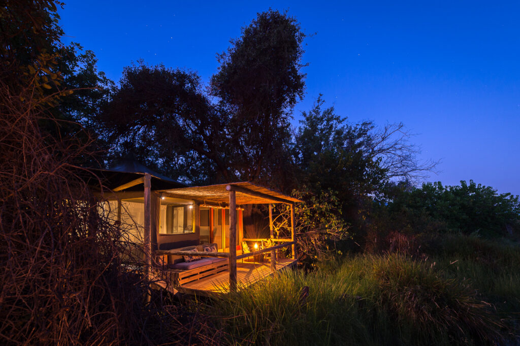 little-vumbura-tented-suite-at-night