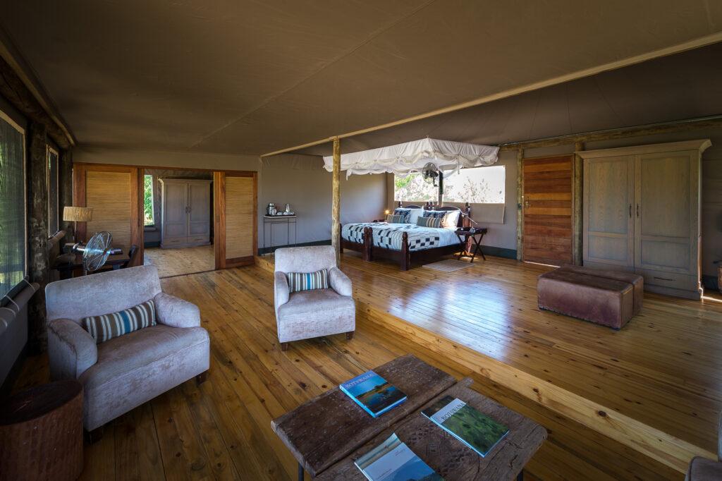little-vumbura-family-room