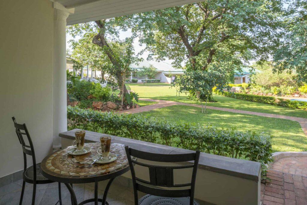 batonka-guest-lodge-gardenview-room1